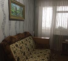 Продается 2-комнатная квартира в центре города.