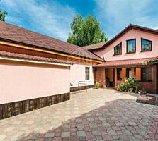 Se vinde casă în 2 nivele, str. Bulgară, sect. Centru. Imobilul este .
