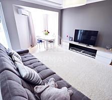 Se vinde apartament cu 2 odai + living, amplasat in sect. Centru, pe .