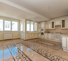 Spre vânzare apartament mega superb pe str. S. Lazo în artera ...
