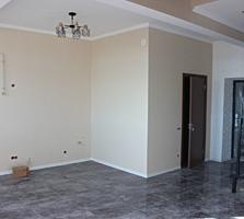 Se vinde apartament cu 2 camere + living, de tip penthouse, sectorul .