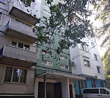 Se vinde apartament cu 3 odai in sectorul Buiucani, str. Liviu ...