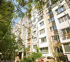 Se vinde apartament cu 3 camere, sectorul Botanica. Suprafata totala .