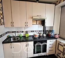 Apartament cu 3 camere separate, 76m2, bloc din cotileț + debara,