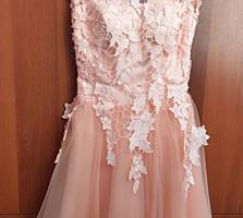Нарядное платье, размер S