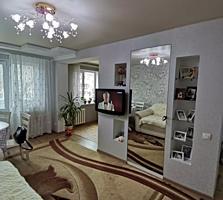 Продается хорошая 1-комнатная квартира 33 кв. м. в центре с евроремонто