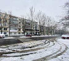 Sec. Râșcani, str. Miron Costin, 3 camere. Euroreparație!!!
