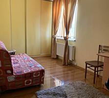 Продается 2-x комнатная квартира на 8-ом Квартале