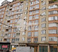 Se oferă spre vânzare apartament de tip penthouse cu o suprafață ...