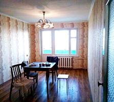 3-ком. кв. с ремонтом 64/41/6,7 три балкона по 4,5 кв. м. стеклопакеты
