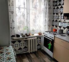 ПРОДАМ 3-к квартиру 3/5 57,3/40,6/6 балкон 2,5 кв. м. застеклен