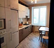ЦЕНТР 3-к жилая кв. с автономным отоплением 2/3 70/43/8 лоджия 6 кв. м.