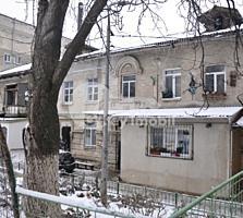 Se vinde apartament de tip garsonieră situat în sectorul Botanica, ...