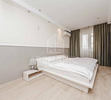 Se vinde apartament, amplasat în centrul istoric al orașului pe str. .