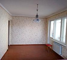 2-комнатная в центре, ул. Горького, 1/9 эт.