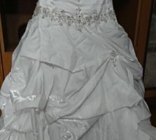 Дорогое свадебное платье за символическую цену, всего за 500 лей.