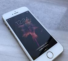 Продам Apple IPhone 5s в отличном состоянии