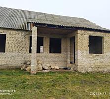 Продам кирпичный дом в стадии завершения(70%) в Кицканах.