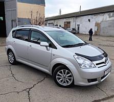 Toyota Corolla Verso(разумный торг)
