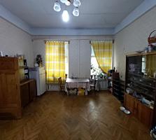 Продам комнаты в коммуне на улице Екатерининской.