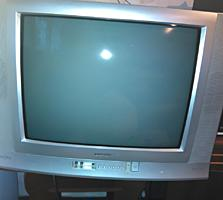 Телевизор рабочий цветной TOSHIBA BOMBA