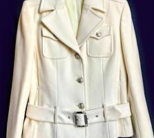 Курточка из кашемированной шерсти размера M