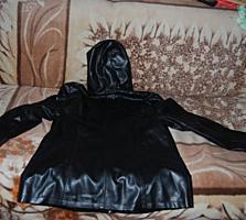 Продаются женские весенние-осенние куртки размер 50-52 - по 50 рублей