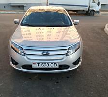 Ford Fusion Hybrid (Usauto)