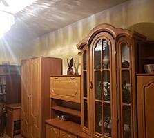 2х комнатную на первом этаже с пристройкой. 17000 торг.