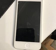 iPhone 5 в хорошем состоянии