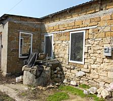 Продается два дома (недострой и времянка) в Варваровке
