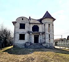 CASĂ ÎN 2 NIVELE-263 M², teren-10.8 ari. TRUȘENI CHIȘINĂU