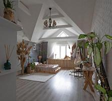 Шикарная 2-ком. кв. 92м², центр, кухня 26м², потолки 4,5м., евроремонт