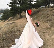Продам шикарное свадебное платье Gabbiano