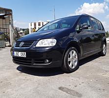 Volkswagen Touran 2.0 D Автомат!!