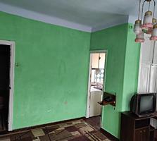 Продается 2-комнатная квартира 44 кв. м. без ремонта.