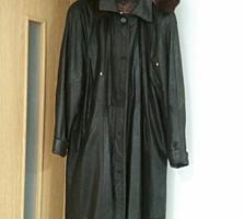 Пальто кожаное, дубленка Mondial.