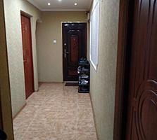 Продается 3х комнатная, 1этаж, ул Кутузова д 189.