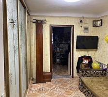 Продается двухкомнатная квартира в центре