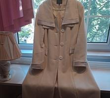 Белое кашемировое пальто, размер 48