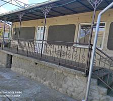 Варница. Продается Дом с террасой, гаражом и погребом с ремонтом.