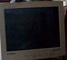 Продам телевизор с декодером недорого