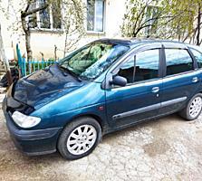 Продам Renault