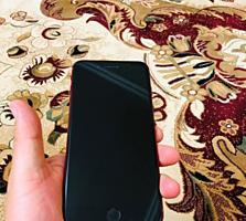 iPhone 8 Plus 64GB в отличном состоянии 345$