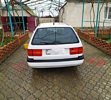Volkswagen Passat 1994 г.