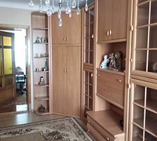 Продается 3-х комнатная квартира с мебелью.