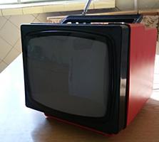 Продам телевизор маленький
