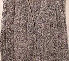 Вязаная безрукавка (жилет) из натуральной шерсти.