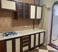 Vind apartament cu 3 odăi cu încălzire autonomă