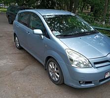 Toyota Corolla Verso 2005 г.